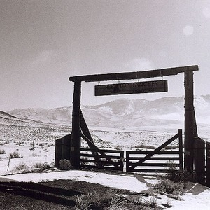 Gate to Tree Top Ranches (black and white)